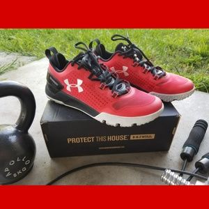 Mens UA Charged Athletic Shoe